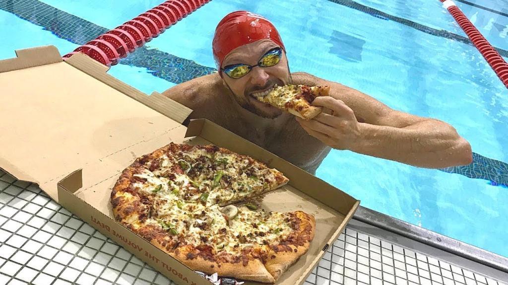 Нельзя плавать сразу после еды